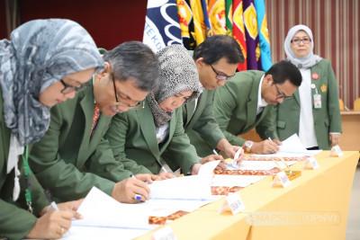 Penandatanganan Perjanjian Kinerja Dekan 2019